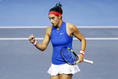 Garcia puts France back on track in Fed Cup final