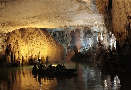 Jeita Grotto Fails To Become One Of The 7 Natural Wonders