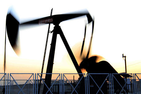 Oil Market Wobbles after Saudi-Russian Pledge to Steady