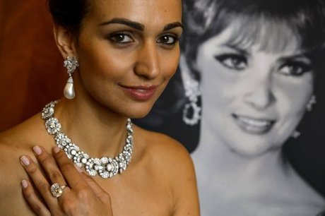 Lollobrigida's Pearl Earrings Set New Auction Record ...